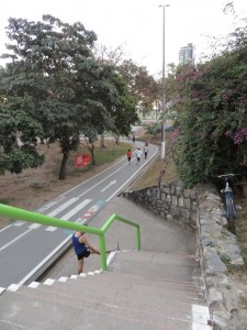 De hardloopbaan door Park da Crianca in het centrum van Campina Grande