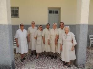 Groepsfoto zusters (1) (Medium)